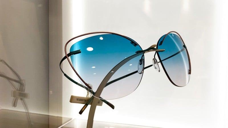 Silhouette Sonnenbrille mit blauen Verlaufsgläsern Foto von PICNIC Foto Soest